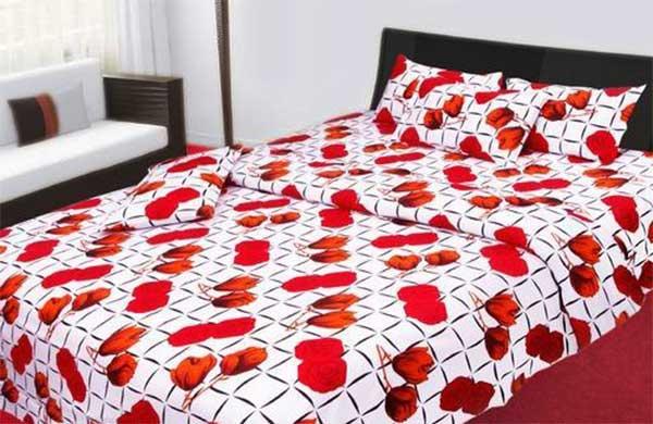 Кровать в спальной