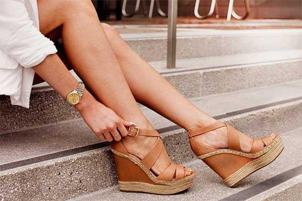 Женская обувь на танкетке. Плюсы и минусы