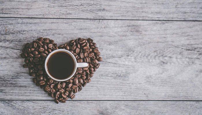 повышает или понижает давление кофе