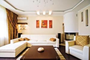 Гипсокартонный потолок в гостинной