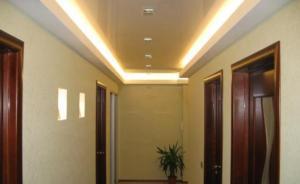 Фото гипсокартонного потолка в прихожей